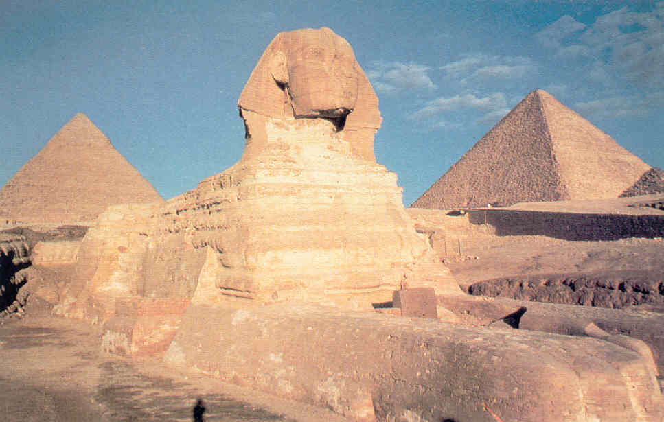 the great pyramids as art Russian photographers atop the great pyramid of giza (all pyramid images via gawker) tourist photos are by now a centuries-old cliché, particularly in the case of those landmarks that have been .