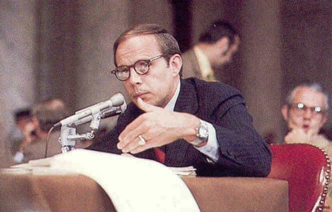 John-Dean-testifying_1974.jpg